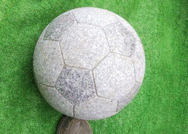 石サッカー